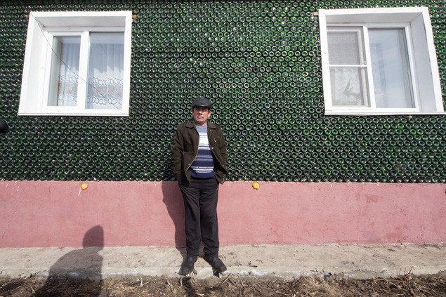 Chelyabinsk cribs: who needs bricks when you can build a house of champagne bottles?