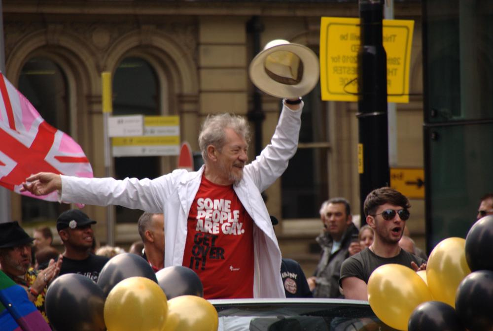 "Sir Ian McKellen urges Putin to repeal ""gay propaganda"" law"