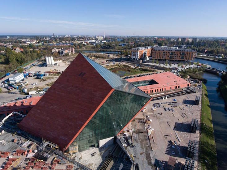 Polish conservative government wins control of Gdańsk war museum
