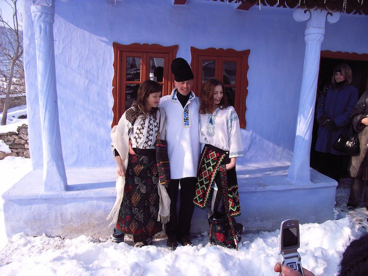 Moldova to mark National Folk Clothing Day