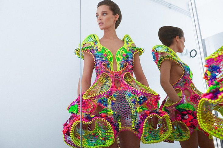 Foræva: the space age couture inspired by a Romanian rug
