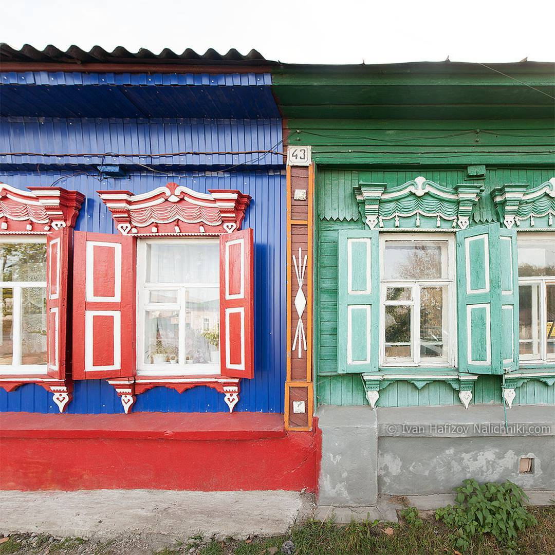 Follow of the week: window frames and shutters from all over Russia