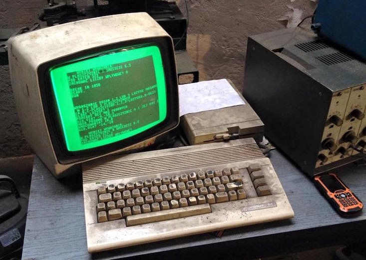 This Polish auto repair shop says forget your MacBook – go retro