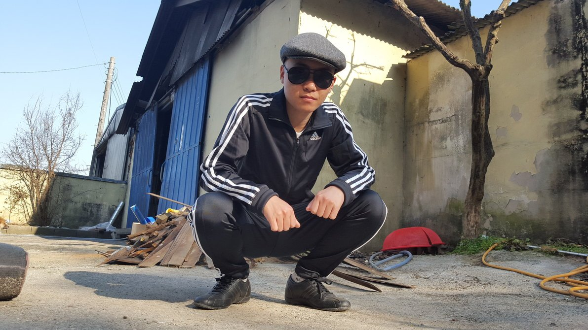 Dizelaš: the 'Serbian gopnik' style that defined the 90s is making a comeback